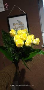 Für Sie & Ihn, klassisch & schön - für jede Gelegenheit ein Goldstück unter den Rosenkreationen.   Der Minimumpreis versteht sich für mittellange Rosen. Die Abbildung (höherer Preis) zeigt langstielige Rosen.